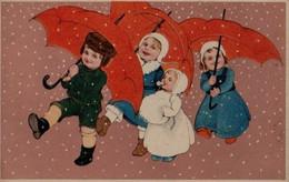 Illustrée Glacée : Enfants Marchant Sous Des Parapluies Rouges . Neige - Groepen Kinderen En Familie