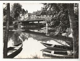 46 BRETENOUX N°4 Le Pont Sur La Cère En 1960 Barques Hôtel De La Source - Bretenoux