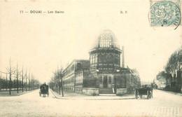 59 DOUAI. Attelages Devant Les Bains 1906 - Douai
