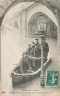 PARIS : LE PASSEUR DU PONT NATIONAL AU PONT DE TOLBIAC - De Overstroming Van 1910