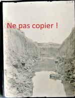 PHOTO ALLEMANDE - UNE TRANCHEE INONDEE AU BOIS D'AILLY PRES DE SAINT MIHIEL PRES DE HANS SUR MEUSE- GUERRE 1914 - 1918 - 1914-18