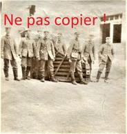 PHOTO ALLEMANDE KB IR 14 - SOLDAT ET TOLE ONDULEE A APREMONT LA FORET PRES DE SAINT MIHIEL MEUSE GUERRE 1914 - 1918 - 1914-18