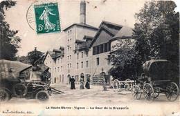 France - 52 - Brasserie - VIGNES-LA-COTE - La Cour De La Brasserie - Coin Sup. Dr Abimé Pièce D'attende - Other Municipalities