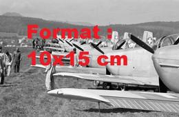 Reproduction Photographie Ancienne D'avions D'entraînement De L'armée à L'aérodrome De Birrfeld En Suisse 1968 - Reproductions