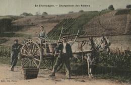 EN CHAMPAGNE - Chargement Des Raisins ( Belle CPA Toilée ) - Sin Clasificación