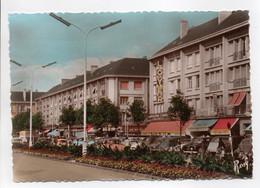 - CPSM SAINT-NAZAIRE (44) - L'avenue De La République Et Ses Parterres Fleuris - Edition Chapeau N° 53 - - Saint Nazaire