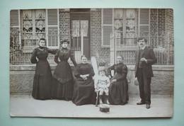 CARTE-PHOTO - LIANCOURT En Rapport Avec Famille VLLLAIN - Liancourt