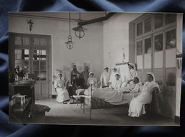 Carte Photo Hôpital Militaire, Blessés Alités Et Infirmières, WW1, Non Circulée L558 - Fotografie