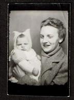 Photo Originale - Photobooth - Photo Identité - Photomaton - Dame Et Bébé - Voir Scan - Persone Anonimi