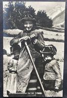 Lötschentalerinnen Bei Der Arbeit - VS Valais