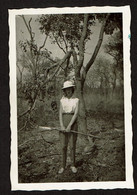 Photo Originale 9 X 6 Cm - 1957 - Jeune Femme à La Chasse / Fusil - Elisabethville - Congo Belge - Voir Scan - Anonyme Personen