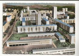 64 En Avion Au Dessus De MOURENX Ville Nouvelle N°13 Vue Générale Grands Immeubles HLM Ecole Terrain De Basket - Altri Comuni