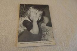 PORTRAIT D'ENFANT ET PHRASE DE PAUL ELUARD .... - Retratos