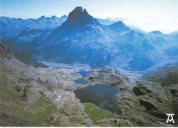 64 - Vallée D'Ossau - Les Lacs Et Le Refuge D'Ayous Et Le Pic Du Midi D'Ossau - Vue Aérienne - Sin Clasificación
