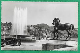 Luzern Kunsthausplatz 2scans 12-08-1950 Voiture Statue De Cheval - LU Lucerne