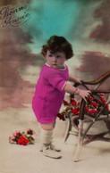 Vraie Photo Colorisée : Petite Fille ROSE Au Fauteuil - Retratos