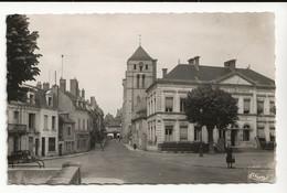 58 COSNE Hôtel De Ville Et Rue Saint Jacques En 1952 PUB KODAK Boutique RONDONNEAU Auto Voiture Ancienne - Cosne Cours Sur Loire