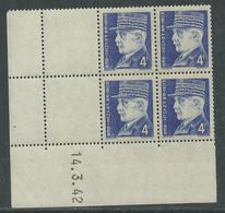 France N° 522 XX :Type Maréchal Pétain: 4 F. Bleu En Bloc De 4 Coin Daté Du 15 . 6 . 42 ; Sans Charnière, TB - 1940-1949