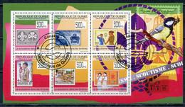 GUINEA 2009 G204 Scouts On Stamps. Stamps On Stamps. Birds - Sperlingsvögel & Singvögel