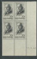 France N° 525 XX :Type Maréchal Pétain: 50 F. Noir En Bloc De 4 Coin Daté Du 17 . 9 . 42 ; Sans Charnière, TB - 1940-1949