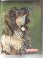 Plaque Présentoir Couleur En Carton GEVELOT ( Cartouches ) - Année 1950 - Chien Griffon Tenant Un Faisan Dans La Gueule - Plaques En Carton