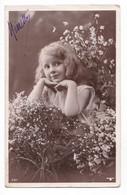 Jolie Fillette Et Fleurs, Portrait, N° 687 - Retratos