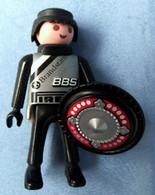 Playmobil Figur Geobra 1992  -  Rennfahrer BBS Pirelli - Ohne Helm - Mit Schild - Playmobil