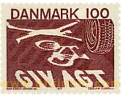 Ref. 96071 * MNH * - DENMARK. 1977. NEW ROAD CODE . NUEVO CODIGO DE CIRCULACION - Coches
