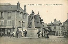 78* MANTES LA JOLIE  Monument De La Repubique   MA104,1222 - Mantes La Jolie