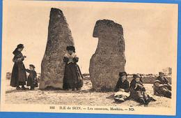 29 -   Finistère   -  Ile Se Sein - Les Causeurs, Menhirs   (N5478) - Ile De Sein