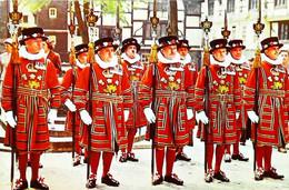 ►  Cpsm Yeomen Warders - Ceremonial Dress - Tower Of London 1960/70 - Régiments