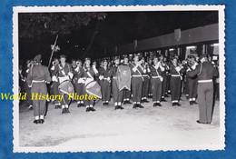 Photo Ancienne - BORDEAUX - Cérémonie Militaire - Fanfare D'un Régiment De Parachutiste ? Para ? Voir Tambour - Guerre, Militaire