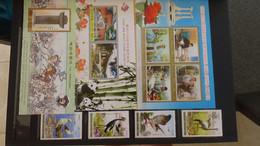 V85 Collection De Timbres Et Blocs ** De Corée Dont Quelques Oblitérés. Idéal Pour Combler Des Thématiques. A Saisir!!! - Collections (with Albums)