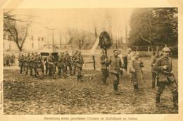 AK Um 1917 1. WK  Deutsche Soldaten, Beisetzung Eines Gefallenen Offiziers Im Schloßpark Zu Tarbus, Beerdigung - Oorlog 1914-18