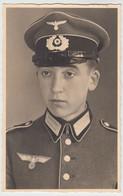 (51598) Foto AK Portrait Junger Soldat 2.WK, 1933-45 - Personnages