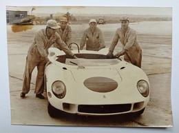 Foto Dell'Agenzia Publifoto Milano - La Nuova Ferrari 4 Litri In Partenza - 1964 - Non Classés