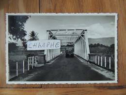 ILE MAURICE - LE PONT DE TAMARIN LE REMPART ET LES TROIS MAMELLES  - CAMION ANNEES 1950 - Mauricio