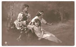 CPA-Carte Postale-Belgique-Fantaisie  Jeunes Se Reposent à C^té D'un Panier Fleuri 1919 VM35049 - Escenas & Paisajes