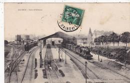 49 . SAUMUR. CPA. GARE D'ORLEANS. TRAIN EN GARE.  ANNEE 1911 + TEXTE - Saumur
