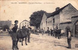 21 - Cote D Or -  SACQUENAY - Place De La Republique - Other Municipalities