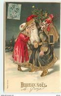 N°17093 - Carte Gaufrée - Heureux Noël - Fillette Chuchotant à L'oreille D'un Père Noël - Autres