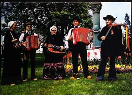 ►  CPSM  Folklore   Massif Central La Montagnarde Violon  Accordéon Vielle - Dances