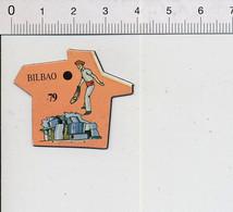 Magnet Le Gaulois Carte Europe 79 Bilbao Espagne Pays Basque Pelote Basque Chistera 9mag - Magnets