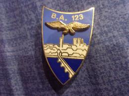 Insigne Base Aérienne 123 - Orléans - Aigle - Pont - Fuerzas Aéreas