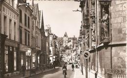 Carte De Montargis (45), Rue Du Général Leclerc, éd. C.F.M. Format Cpa, Meubles Saigot, écrite, Bon état - Montargis