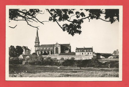 C.P.A.( 29 ) « PLOUNEOUR-TREZ » L'Eglise- Jolie Vue Générale   X2 Phts - Otros Municipios