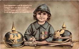 Ces Souvenirs Sont De Grands Prix - Enfant Soldat Et Casques Allemands (patriotic 1225) - Patriotic