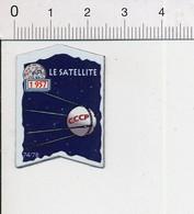 Magnet Le Gaulois Inventions Envoi D'un Satellite Soviétique Dans L'Espace En 1957 ( Spoutnik 1 )  Mag12 - Magnets