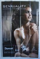 Affiche Publicitaire Abribus - Pierres Précieuses - Sensuality - Un Diamant Et Rien D'autre - Jeune Femme Avec Un Bijou. - Andere