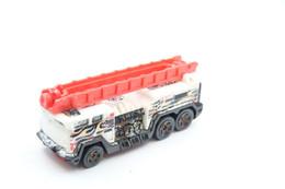 Hot Wheels Mattel 5 Alarm - Issued 2008, Scale 1/64 - Matchbox (Lesney)